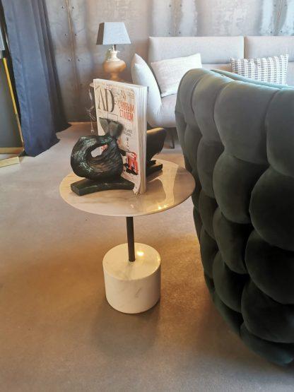 мраморный приставной столик