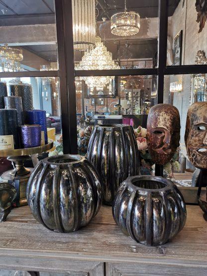 ваза из алюминия круглая дизайнерская