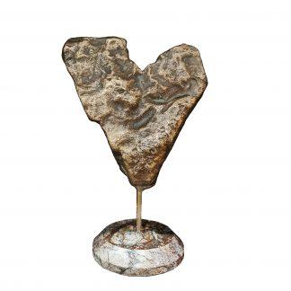 арт-объект из латуни и мрамора