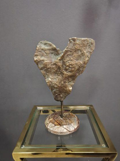 арт-объект из латуни