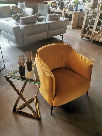 жёлтое дизайнерское кресло